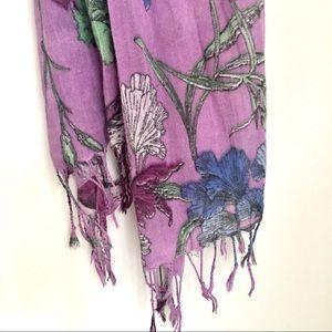 $5 W/ BUNDLE New York & Company Floral Scarf